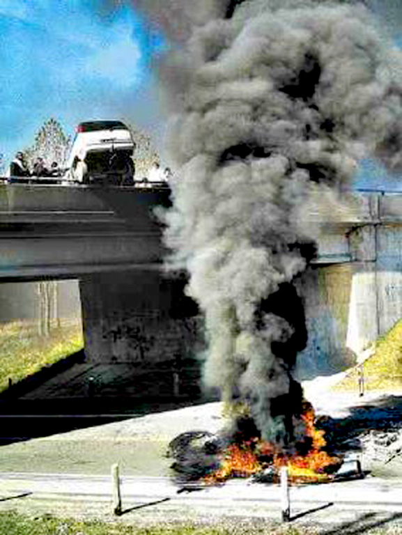 Six Nations 2006 car bridge fire