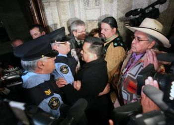 Indian Act chiefs attempt to enter House of Parliament in Ottawa (for 30 seconds...)