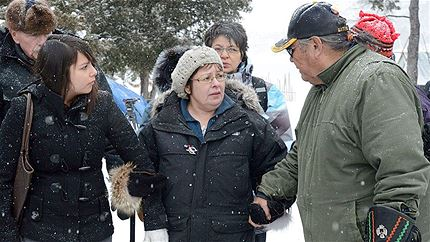 Chief Theresa Spence, centre.
