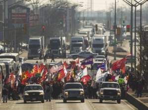 Protesters blocking traffic on Ambassador Bridge in Windsor, Ont, Jan 16, 2013.