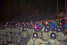 Innu blockade on March 5, 2012, with a large deployment of Quebec provincial police.