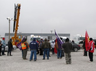 6 Nations members at another work site for wind turbines, Jan 17, 2013.