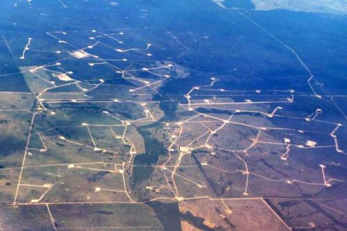 Coal Coal seam gas wells south of Chinchilla in south-west Queensland, Australia.