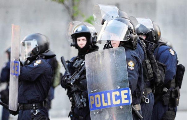 Vancouver police 'Public Safety Unit', showing less-lethal weaponry carried by shooters (Canucks Riot 2011).