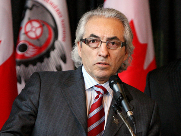 Phil Fontaine, former AFN chief, has also worked for the Royal Bank of Canada, then one of the biggest investors in Tar Sands.