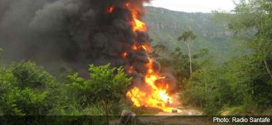 Fiery explosion caused by bomb attack carried out by ELN, Jan 2, 2014.