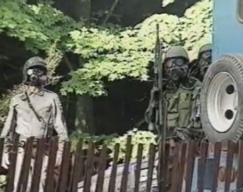 Members of the SQ tactical unit moments before they attempted to overtake the Mohawk blockade, July 11, 1990.