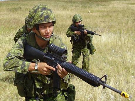 Participants in Bold Eagle aboriginal recruitment program training in Manitoba.