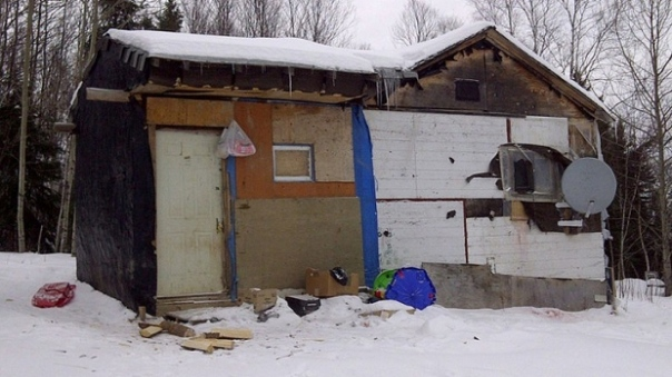 A home on the Wasagamack first Nation, about 600 km north of Winnipeg in northern Manitoba. (Karen Pauls/CBC)