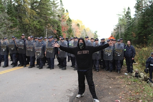 Mikmaq anti frack cops