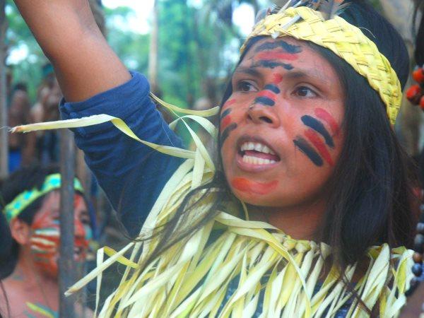 A young Kichwa girl at blockade, photo by David Hill.