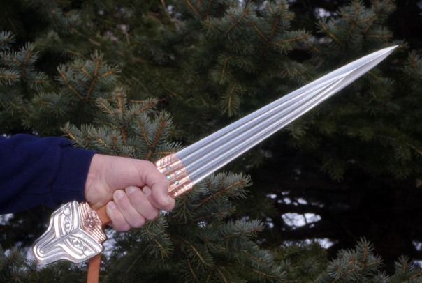 Modern rendition of Tlingit sword by Leo Todeschini, posted on http://www.vikingsword.com by Harry Mariniakis. 40 cm (15.75 inches)