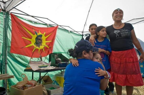 Kanahus Manuel children blockade