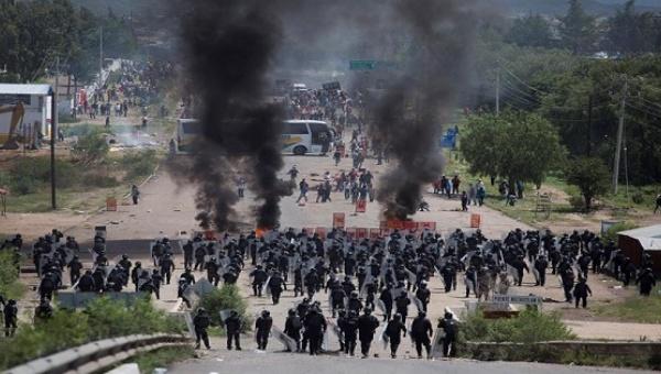 Oaxaca riot cops