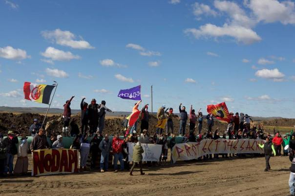 dakota-access-pipeline-banners