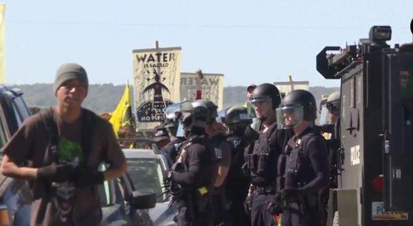 dakota-access-pipeline-cops-truck