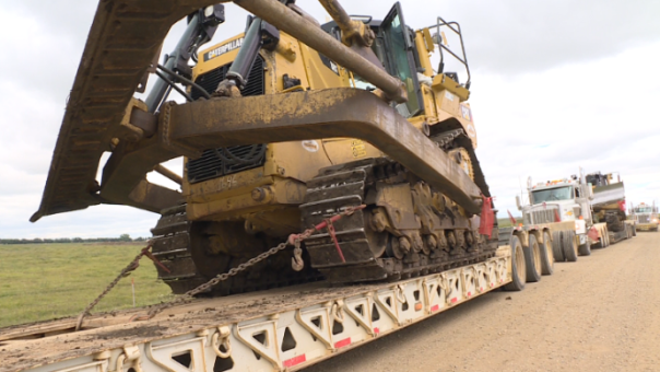 dakota-access-pipeline-machinery-removal-1