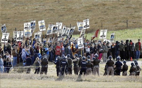 dakota-access-pipeline-cops-protesters