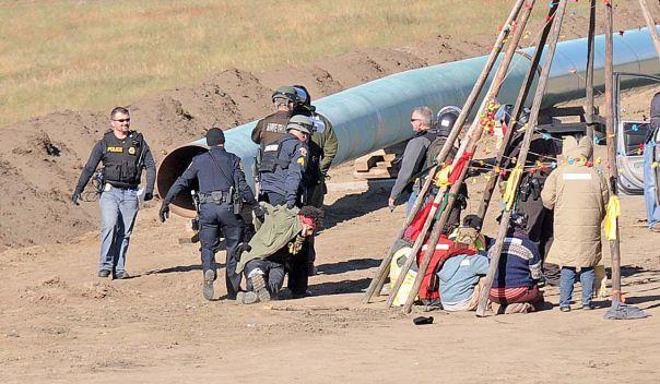 dakota-access-pipeline-tipi-arrest-1