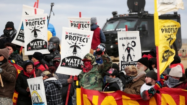 dapl-banners-protest