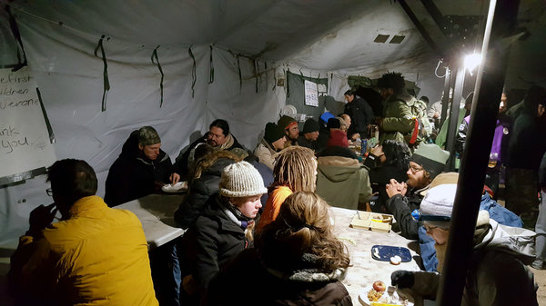 dapl-kitchen-tent-1