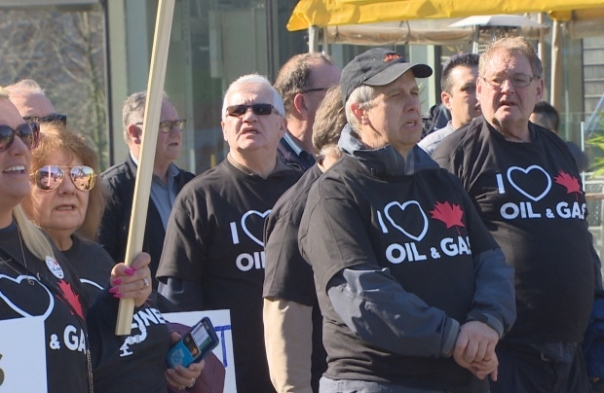 Kinder Morgan pro pipeline rally