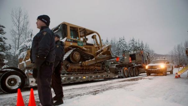 unistoten 2019 cops bulldozer